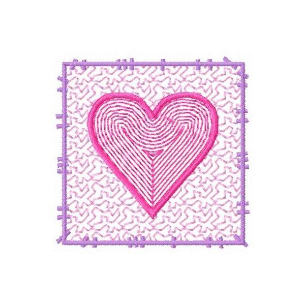 Moldura Coração Vazado Pequeno